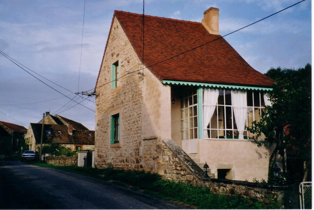 Gîte Ancienne maison Lagrange à Le Rousset-Marizy