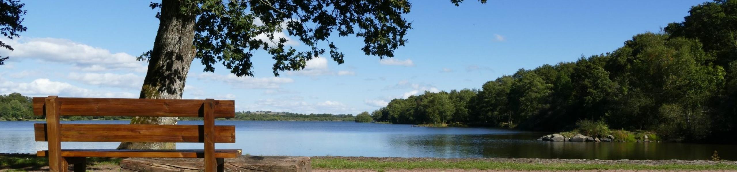Vue sur le lac du Rousset - Le Rousset-Marizy